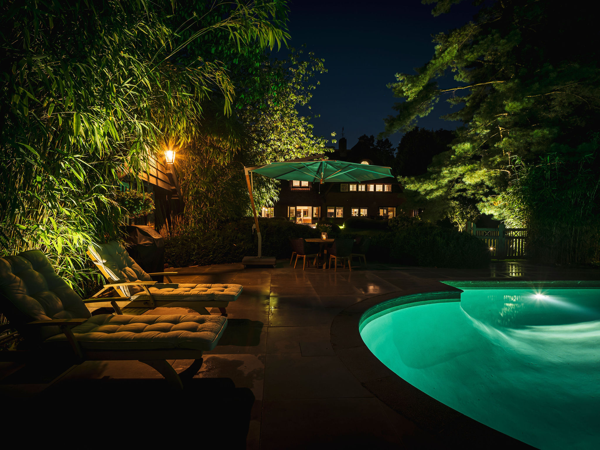 projecten zwembadverlichting buitenverlichting tuinarchitectuur rainforestlighting tuinverlichting regenwoud